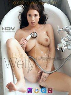 Wetly